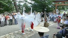 弥栄神社で奉納